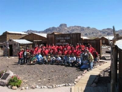 Lost Dutchman 5917+4 ECV Members Group at Marker Dedication. image. Click for full size.