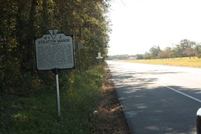 Stratton Manor Marker, looking south along Charles M Lankford Memorial Highway image. Click for full size.