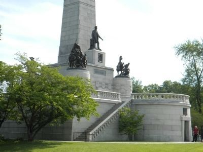 Lincoln Tomb Monument image. Click for full size.