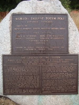 World's Tallest Totem Pole Marker image. Click for full size.