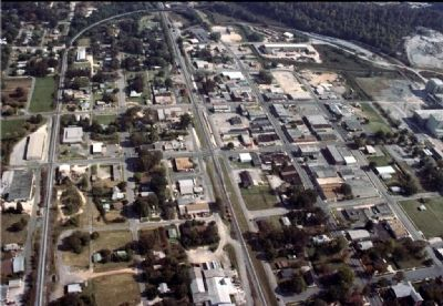 Aerial view of downtown Leeds, Alabama. image. Click for full size.