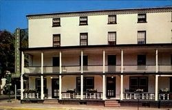 Turk�s Head Inn mid 1960's image. Click for full size.