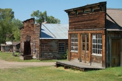 The Linderman Building and Wagon Shop image. Click for full size.