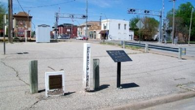 The Old Chisholm Trail Post and Marker image. Click for full size.