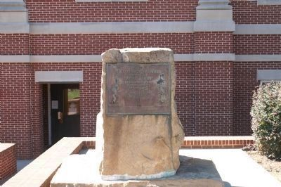 Memorial Placed at Courthouse in Eatonton image. Click for full size.