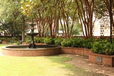The South Caroliniana Library War Memorial Fountain image. Click for full size.