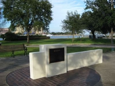 St. Petersburg Central Yacht Basin Marker Photo, Click for full size