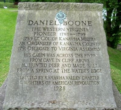 Daniel Boone Stone Monument Marker Photo, Click for full size