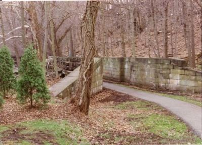 Remaining Canal Lock in Sharpsville image. Click for full size.