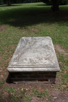 Eutaw Springs Battlefield Park, Grave of Major Majoribanks, as mentioned image. Click for full size.