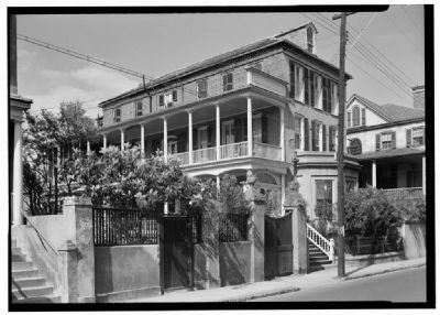 Judge Robert Pringle House, southwest view image. Click for full size.