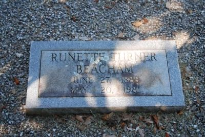 Runette Turner Beacham Tombstone image. Click for full size.