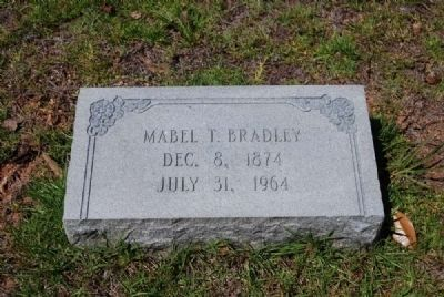 Mable T. Bradley Tombstone image. Click for full size.