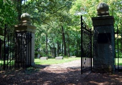 Calhoun Plantation Cemetery Gate and Marker image. Click for full size.