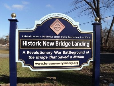 Historic New Bridge Landing Marker Photo, Click for full size