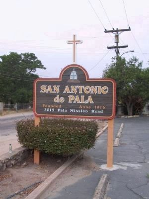 Entrance Sign at 3015 Pala Mission Road image. Click for full size.