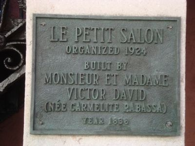 Le Petit Salon Plaque image. Click for full size.