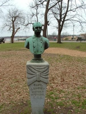 Capt. J. Harvey Mathes Bust image. Click for full size.