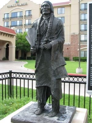 Quanah Parker Statue image. Click for full size.