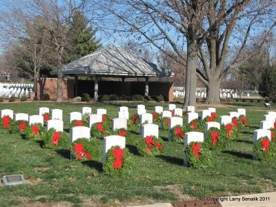 Wreaths Across America image. Click for full size.