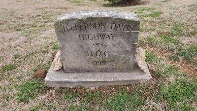 Jefferson Davis Highway Marker image. Click for full size.