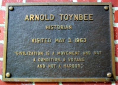 Ohio University's Arnold Toynbee Marker image. Click for full size.