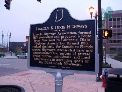 "Side ""A"" - - Lincoln & Dixie Highways Marker Photo, Click for full size"