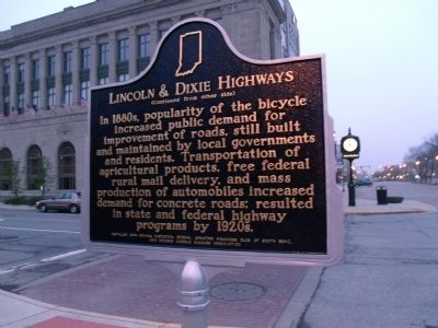 "Side ""B"" - - Lincoln & Dixie Highways Marker Photo, Click for full size"