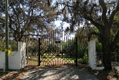 The main entrance of Rose Cemetery image. Click for full size.