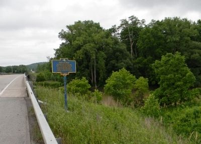Wide view of the Cox Ferry Marker image. Click for full size.