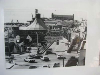 The Santa Monica Pier Hippodrome & Carousel Photo, Click for full size