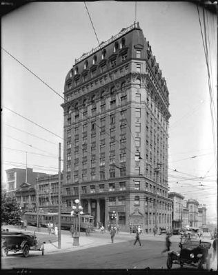 Dominion Building, 1915 image. Click for full size.