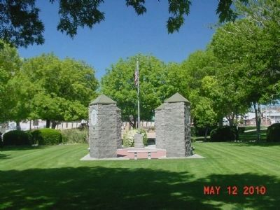 Kingman Veteran's Memorial View from the West Photo, Click for full size