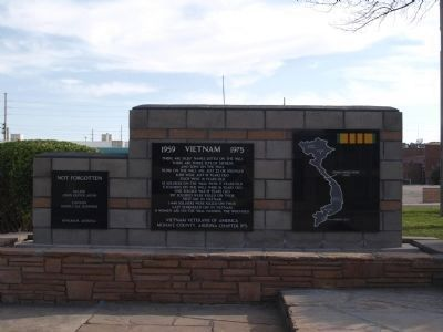 Kingman Veteran's Memorial - Vietnam Photo, Click for full size