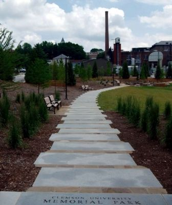 Memorial Park<br>North Walkway image. Click for full size.