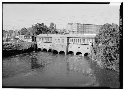Columbia Canal Photo, Click for full size