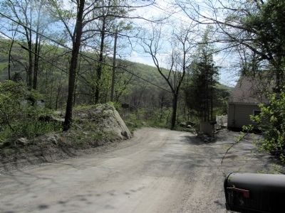Old Albany Post Road, looking west towards Old Schoolhouse Marker. image. Click for full size.