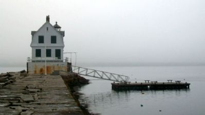 Rockland Breakwater Lighthouse image. Click for full size.
