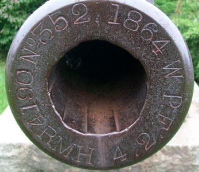 Civil War Memorial Rifled Parrott Gun Muzzle image. Click for full size.