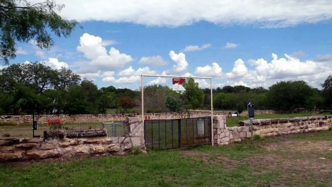 Fort Clark's Original Post Cemetery image. Click for full size.