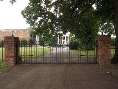 The Hunt-Phelan Home Gate image. Click for full size.