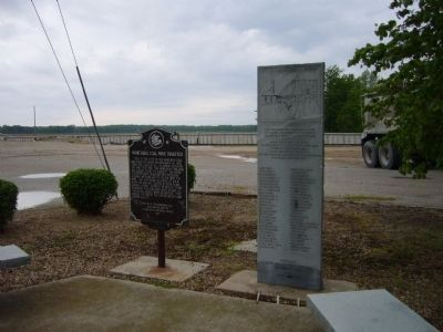 Moweaqua Coal Mine Disaster Memorial & Marker Photo, Click for full size