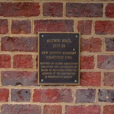 Alumni Hall (New London Academy) image. Click for full size.