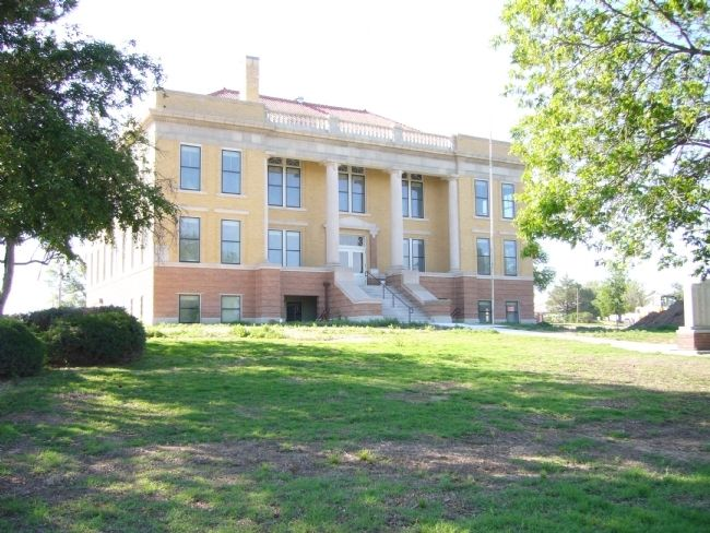 Roberts County Courthouse image. Click for full size.