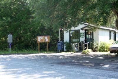 Pinopolis Marker and Post Office...2012 look image. Click for full size.
