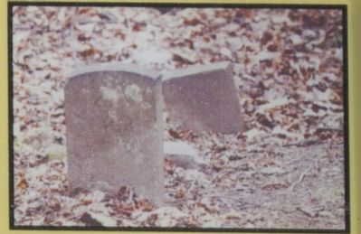 Mysterious grave, as mentioned image. Click for full size.
