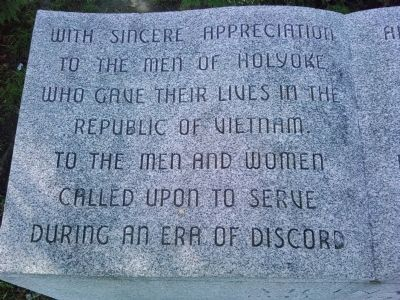 Text on Center Monument image. Click for full size.