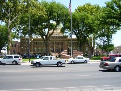 Chaves County Courthouse image. Click for full size.