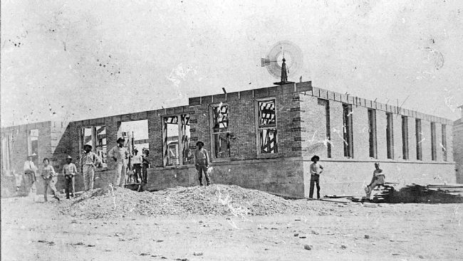 Kinney County Courthouse under construction image. Click for full size.