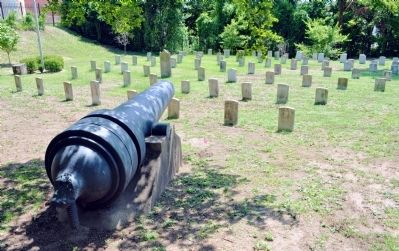 The Brooke Rifle Overlooking the Confederate graves in Linwood Cemetery image. Click for full size.